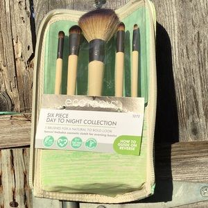 Ecotools Day to Night Collection Brush